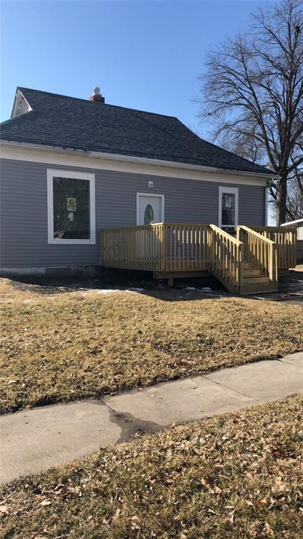 Photo of home for sale at 739 3rd Avenue S, Newton IA